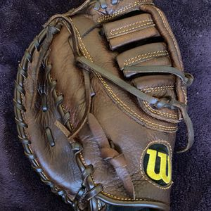 Left-Handed Throw Wilson A800 Baseball First Base Glove for Sale in Hacienda Heights, CA