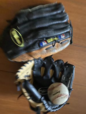 Baseball gloves for Sale in Plantation, FL