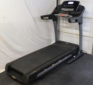 Free Delivery!!! Nortictrack C 900 Treadmill for Sale in Chicago, IL