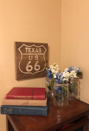 Texas rustic wall decor 3 mason jars floral old books for Sale in Katy, TX