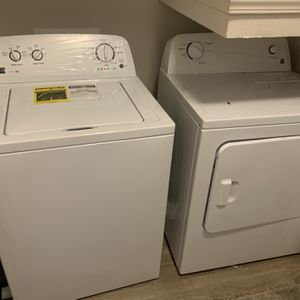 Kenmoore Series 100 Washer And Dryer Set for Sale in Humble, TX