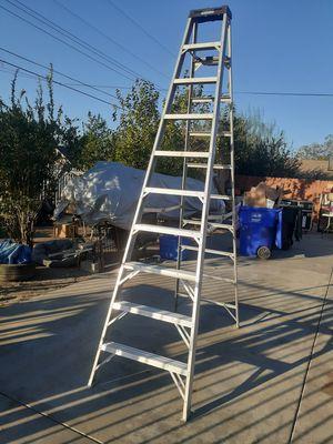 Escalera marca Warner 300 Lbs capacidad 10 pies usada en buenas condiciones aluminio for Sale in San Bernardino, CA