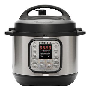 INSTANT POT : BARELY USED for Sale in Boston, MA