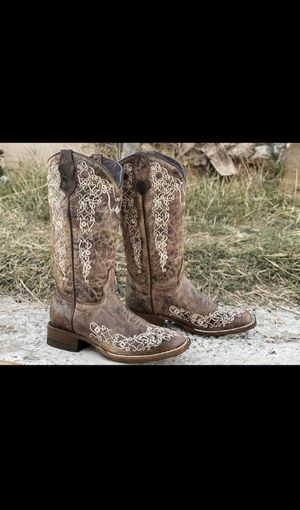 Women cowboy boots, square toe ( size 9 ) BRAND NEW for Sale in West Covina, CA