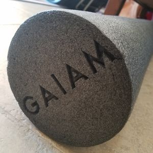 Gaiam foam yoga roller for Sale in Palm Beach Gardens, FL