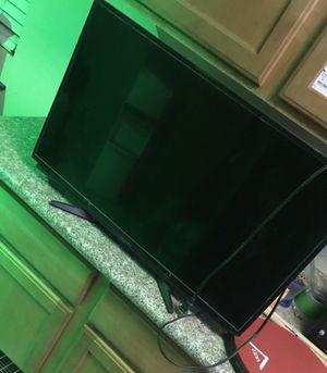 32 inch tv for Sale in Phoenix, AZ