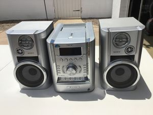 SONY STEREO AND SPEAKERS IN GREAT CONDITION for Sale in Phoenix, AZ