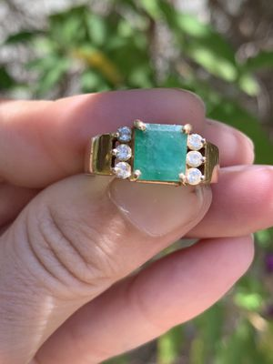 18K Gold Emerald + Diamond Ring Size 7 for Sale in San Diego, CA