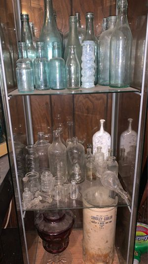 Antique Bottles. Mostly all hand dug for Sale in Sewickley, PA