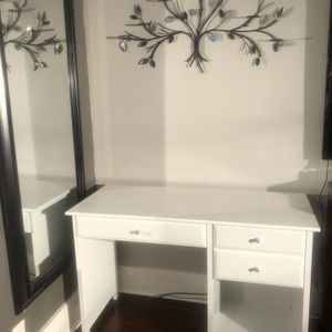 3 Drawers desk - white for Sale in Downers Grove, IL