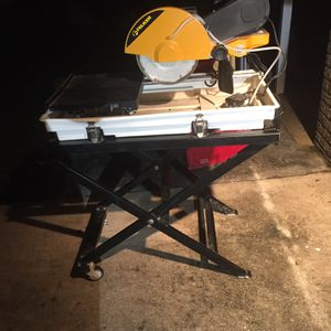 Felker Tile Wet Saw for Sale in Boynton Beach, FL