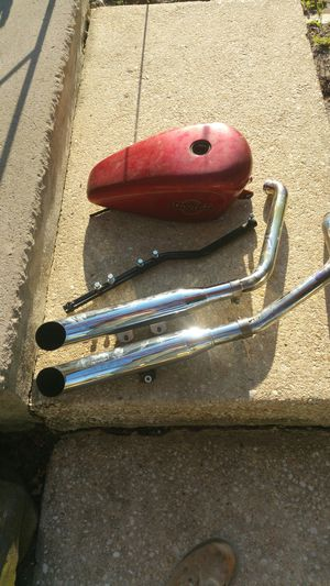 Screaming Eagle 2 pipes 1200 Harley-Davidson tank motorcycle parts for Sale in Toms River, NJ