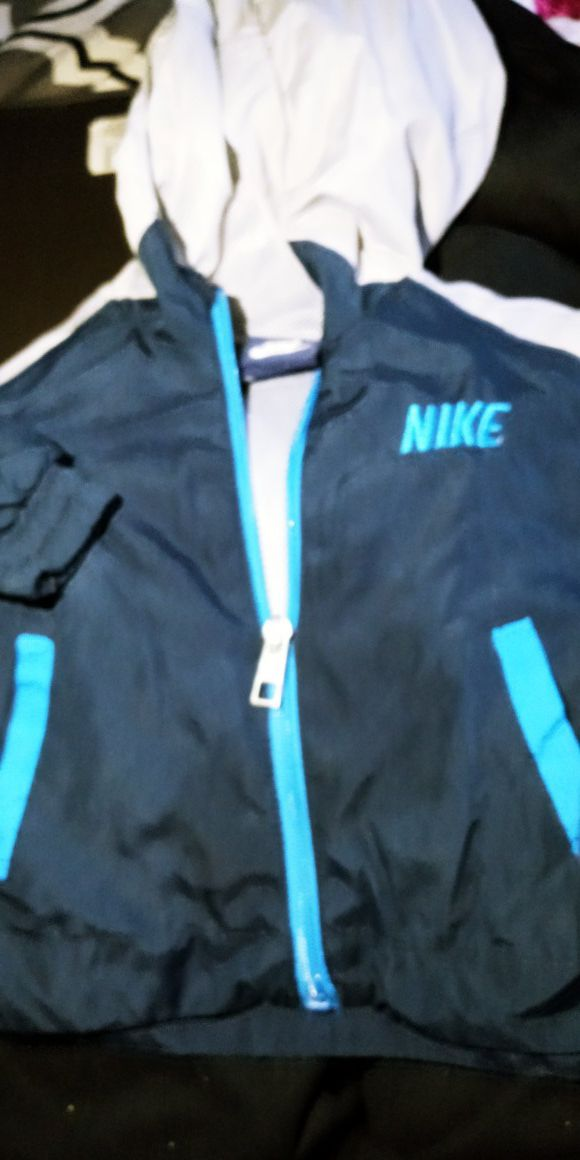 Nike sweater size 12m