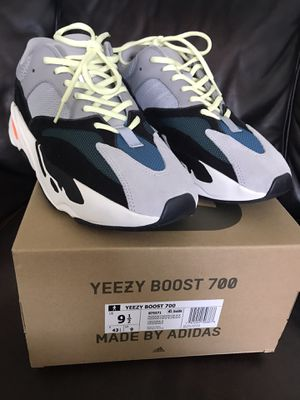 YEEZY 700 WAVERUNNER 9.5 VNDS for Sale in Paramount, CA