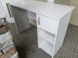 Youth desk, white - FREE for Sale in Woodinville, WA