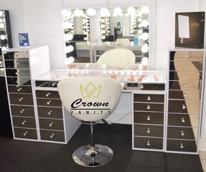 Luxury Hollywood Makeup Vanity for Sale in Irving, TX
