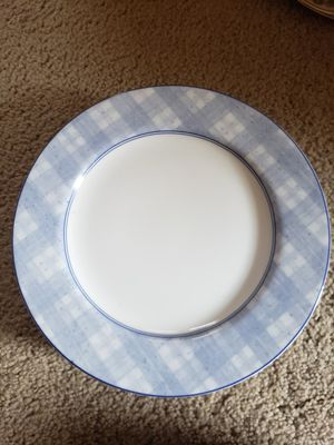 6 light blue plaid dinner plates for Sale in Tacoma, WA