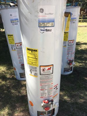Natural gas hot water heater for Sale in Conifer, CO
