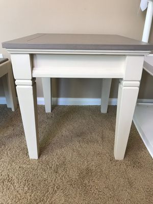Farmhouse end table/side table in off white & light brown for Sale in Katy, TX