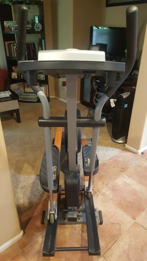 NordicTrack cxt 990 reflex step elliptical for Sale in Sun City, AZ