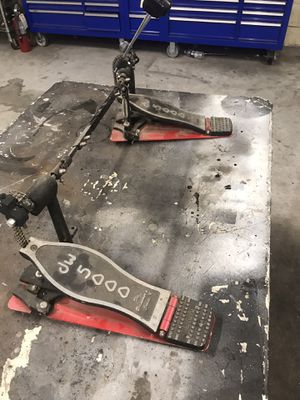 Dw5000 double bass pedal for Sale in Petersburg, VA
