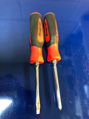 Snap-on tools screwdrivers in red for Sale in Jacksonville, TX
