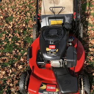 """Toro recycler 22"""" FWD 149cc with bagger for Sale in West Hartford, CT"""