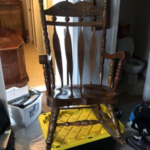 Antique Rocking Chair for Sale in Fort Washington, MD
