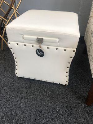 White leather ottoman for Sale in Rio Vista, CA