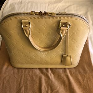 Louis Vuitton Alma PM Blanc Corail for Sale in Fircrest, WA