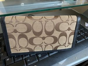 Authentic coach wallet gently used for Sale in Washington, DC