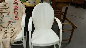 Antique metal lawn chair for Sale in West Mifflin, PA