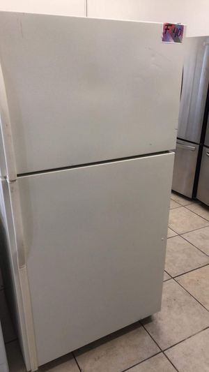 Refrigerator top and bottom fridge 33 width for Sale in Los Angeles, CA