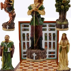 Robinhood Chess Set for Sale in Beaumont, CA