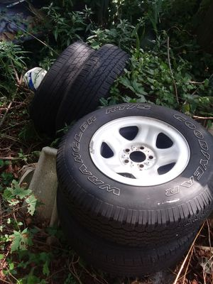 """15"""" stock Jeep Cherokee wheels + tires for Sale in Stonington, CT"""