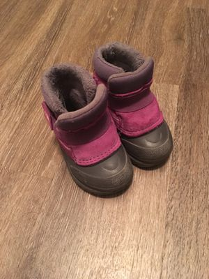 The north face toddler snow boots size 5 for Sale in Alexandria, VA