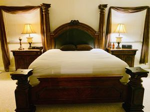 King bed for Sale in Miramar, FL