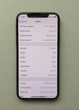 Apple 🍏 iPhone X Black 256Gb Mint with Box and all new accessories for Sale in Los Angeles, CA