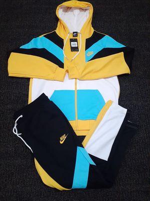 Nike Suit Size Large for Sale in Atlanta, GA