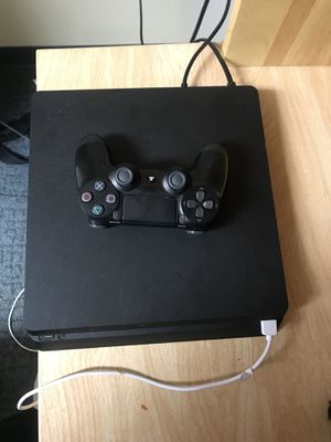 PS4 for Sale in Valley City, ND