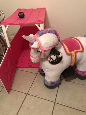 Volt Stable Buddies Willow Unicorn Plush Ride-On by Dynacraft with Light Up Horn and Play Stable Included! for Sale in Midland, TX