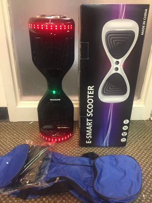 New Hoverboard with bag and charger for Sale in Atlanta, GA