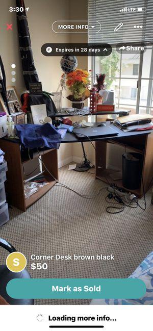 Brown and black corner desk for Sale in Woodland Hills, CA