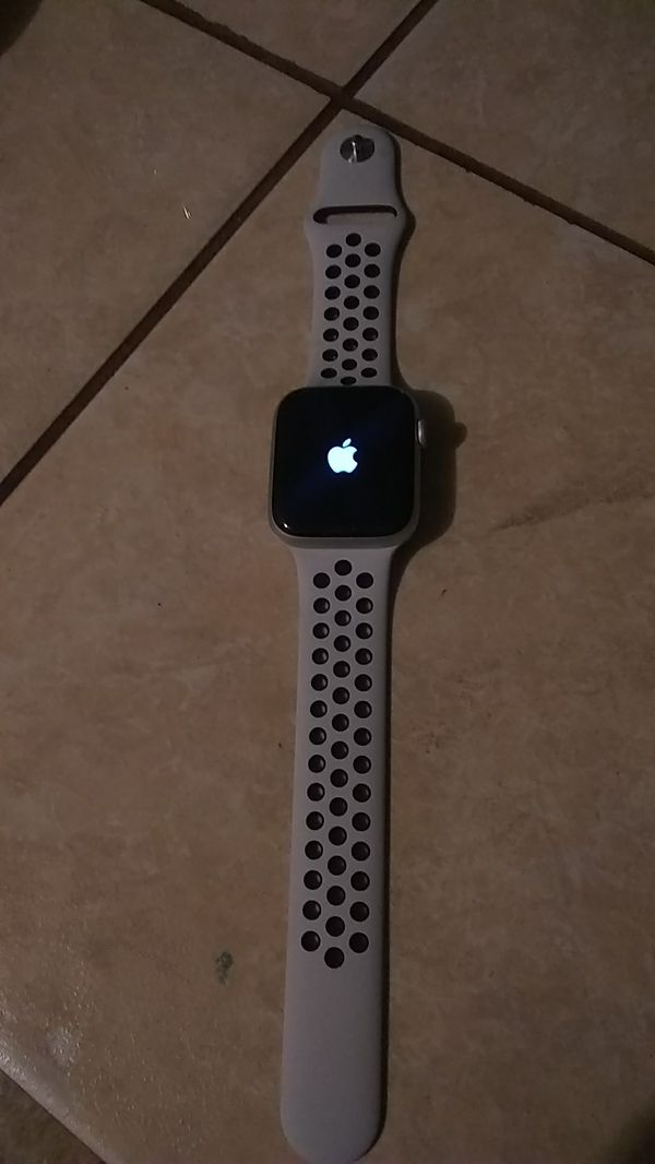 Iphone watch series 4 new Nike edition fully unlocked