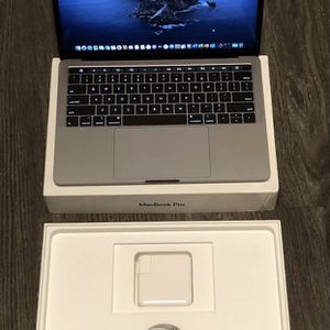 """2020 13"""" MacBook Pro w/Touch Bar for Sale in Citrus Heights, CA"""