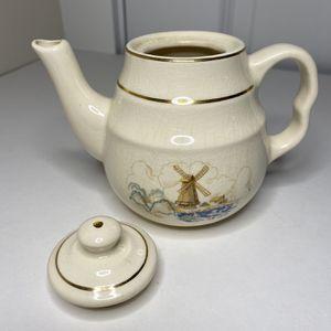 Vintage Porcelain Tea Pot for Sale in Salem, OR