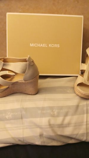 Michael kors wedges for Sale in San Leandro, CA