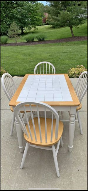 Kitchen table and 4 chairs for Sale in Ballwin, MO