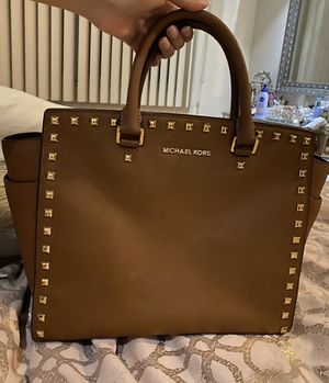 Michael Kors Studded Cognac Tote Bag for Sale in Queens, NY