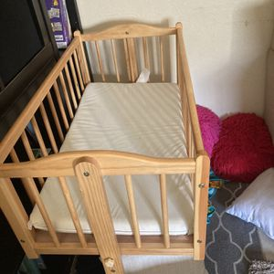 Free Crib for Sale in Los Angeles, CA